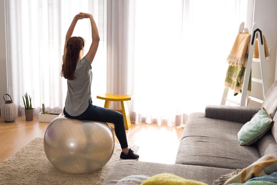 Swiss Ball: zoom sur ce ballon de gym efficace et ludique