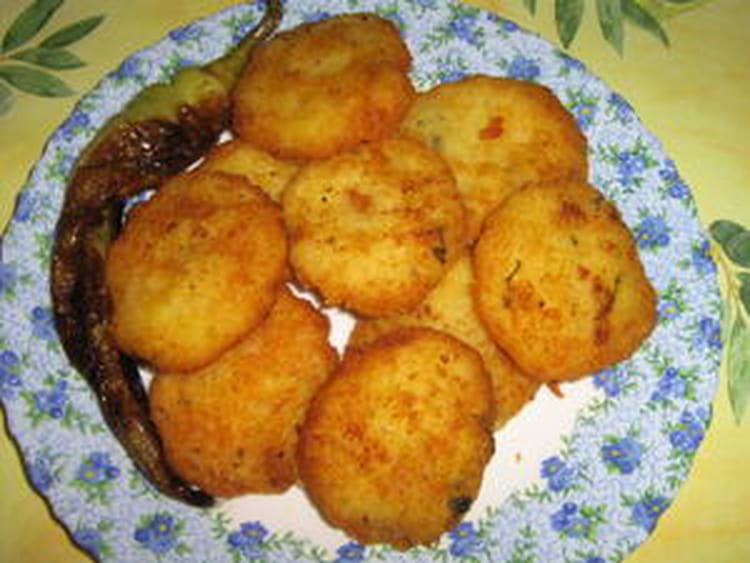 recette de beignets de pomme de terre à l'ail et aux herbes : la