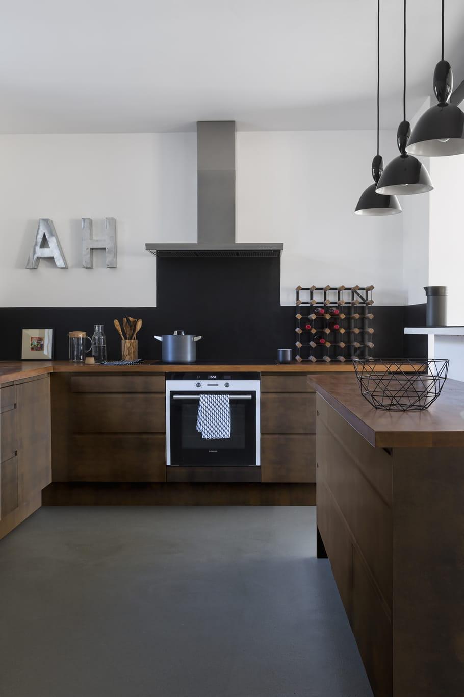 comment peindre ses meubles de cuisine. Black Bedroom Furniture Sets. Home Design Ideas