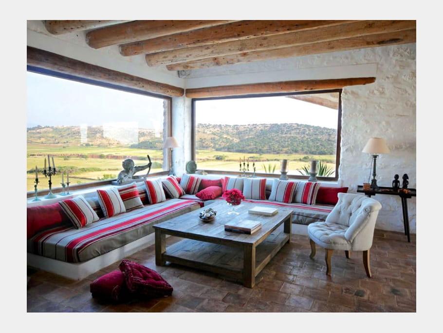 Salon avec vue sur la campagne marocaine maison entre - Maisons charme et tradition ...
