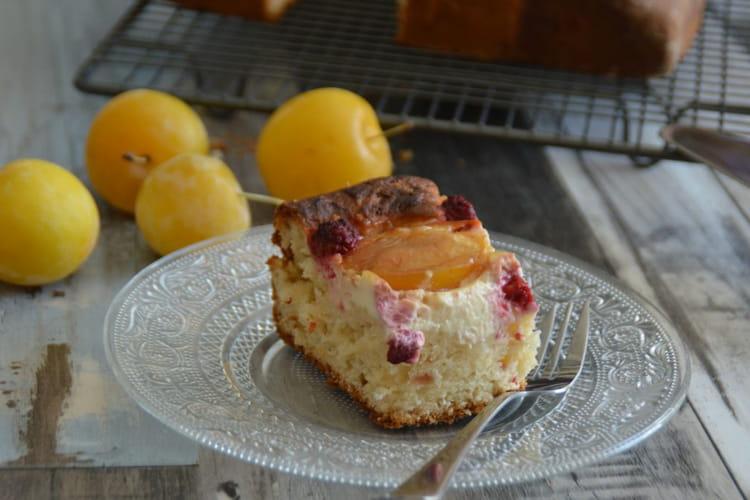 Brioche au mascarpone, prunes et framboises
