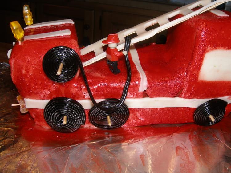 recette de g teau anniversaire camion de pompiers la recette facile. Black Bedroom Furniture Sets. Home Design Ideas