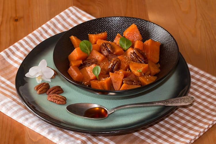 Patates douces rôties au sirop d'érable, cannelle et noix de pécan