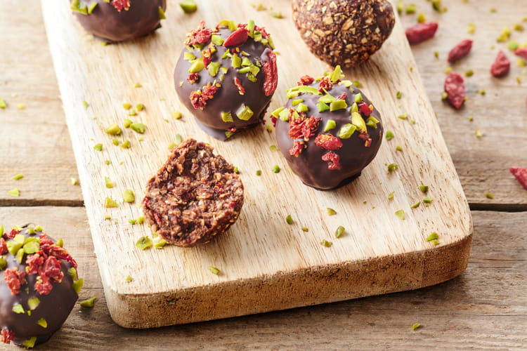 Energy balls au chocolat, baies de Goji Karéléa et pistaches