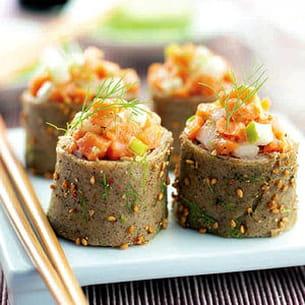 sushi crêpes sarrasin et tartare de saumon