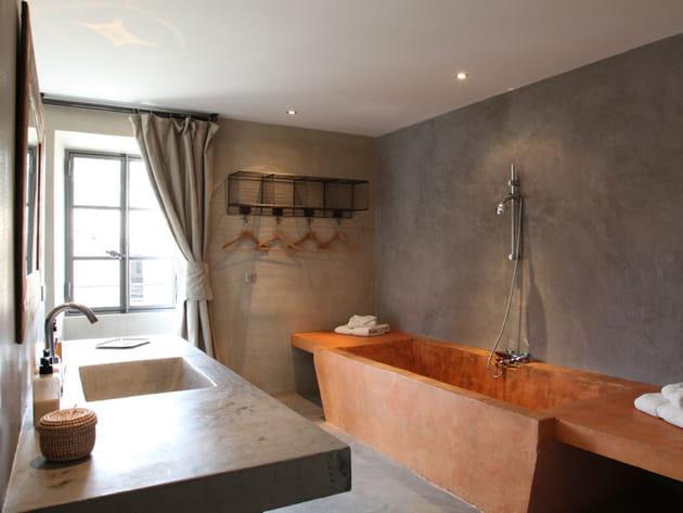 Salle de bains en béton