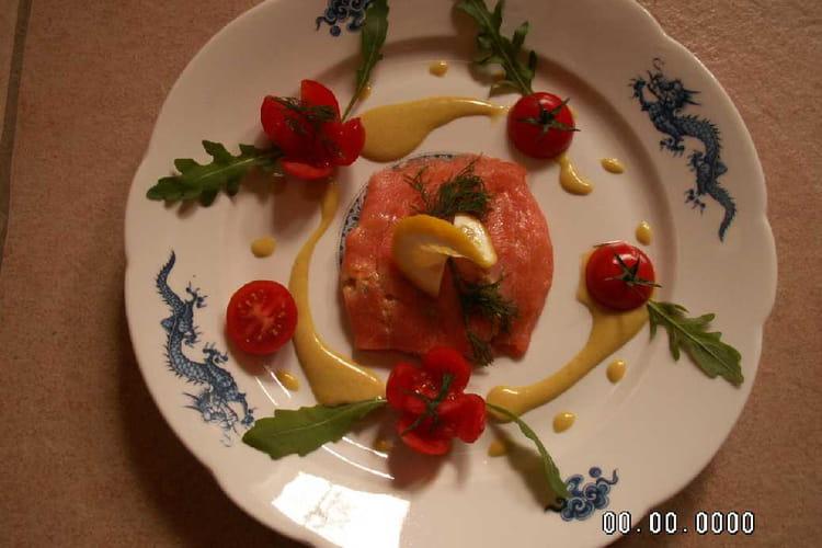 Tartare de saumon en pannequet de saumon fumé