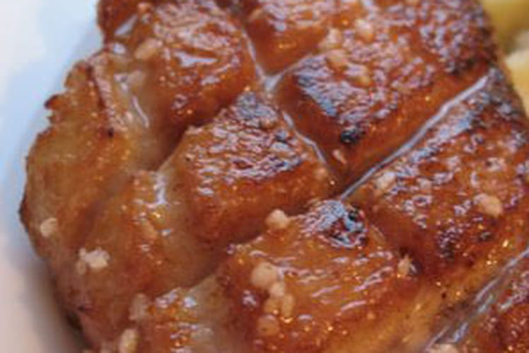 Magret de canard grillé, sauce foie gras