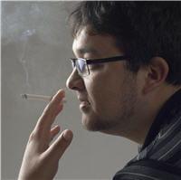 le tabac est un facteur environnemental impliqué dans le développement de la