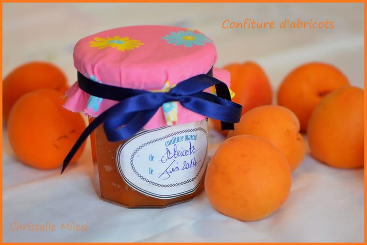 Confiture d'abricots parfumée à la vanille