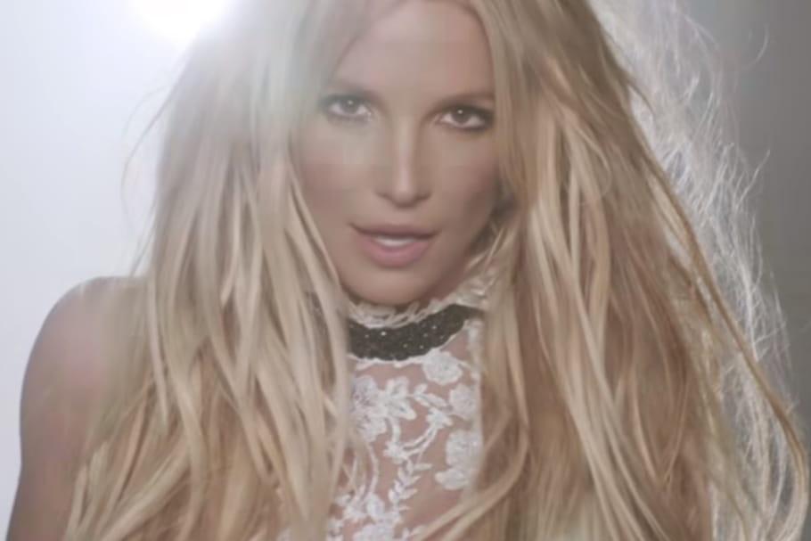 """Britney Spears revient avec """"Make Me"""" [VIDÉO]"""