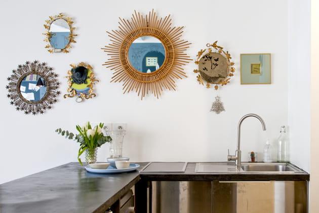 accrochage de miroirs. Black Bedroom Furniture Sets. Home Design Ideas