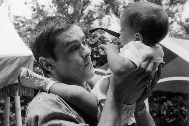 Papa joueur avec son fils Anthony