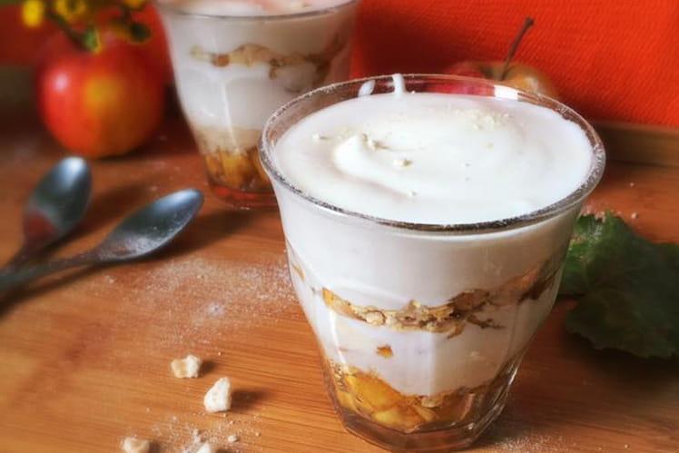 Verrine d'eton mess aux pommes et sirop d'érable