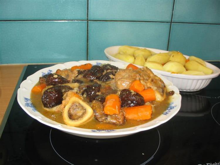 Recette de jarret de veau aux pruneaux la recette facile - Cuisiner jarret de veau ...