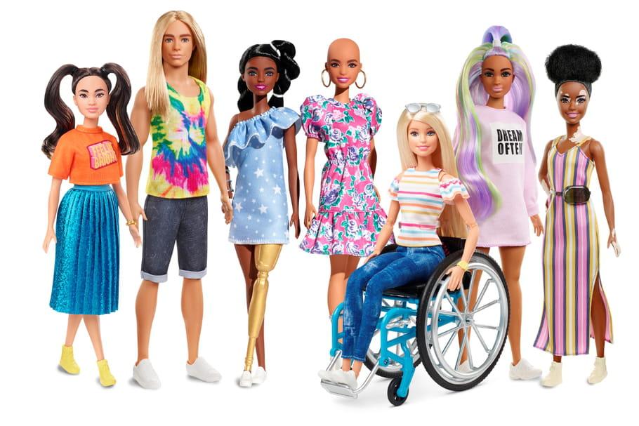 Chauve, en prothèse, atteinte de vitiligo... Barbie se diversifie