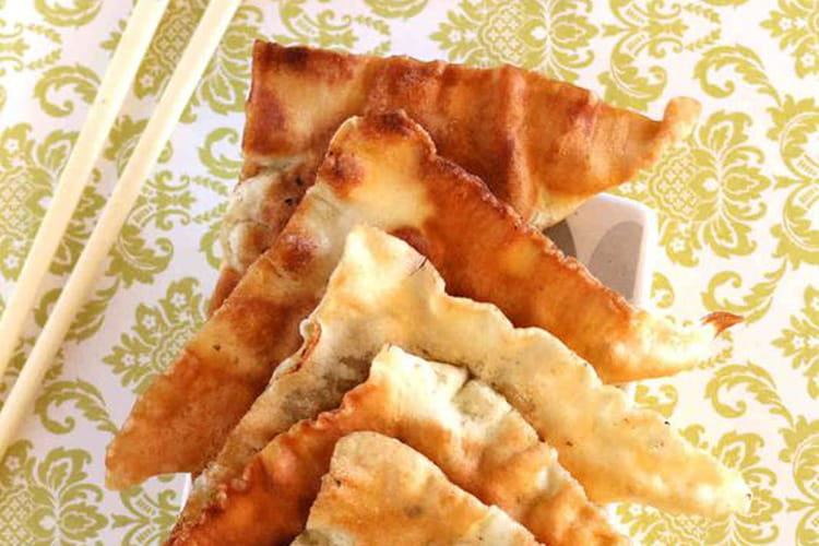 Raviolis chinois frits au poulet et crevettes