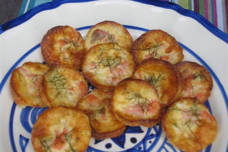 Mini quiches au saumon fumé et à l'aneth