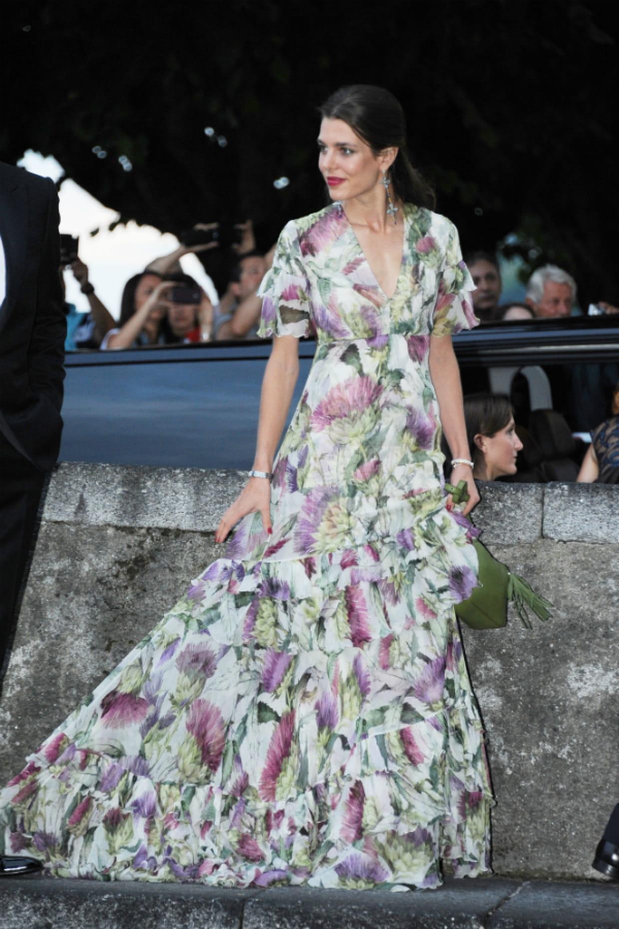 Charlotte Casiraghi En Robe Fluide 224 Fleurs Gucci