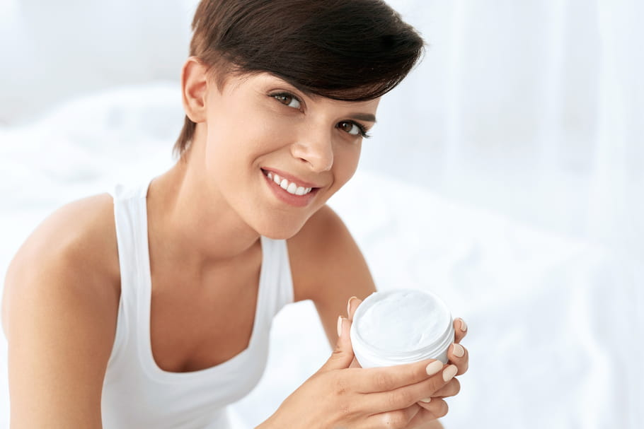 Crème hydratante anti-âge: pourquoi on s'y met?