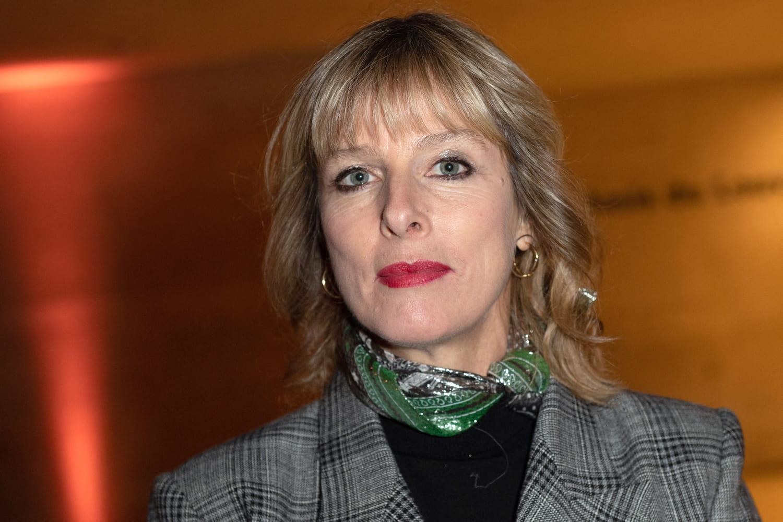 C à VOUS: Karin Viard en panique, Pierre Lescure gêné...