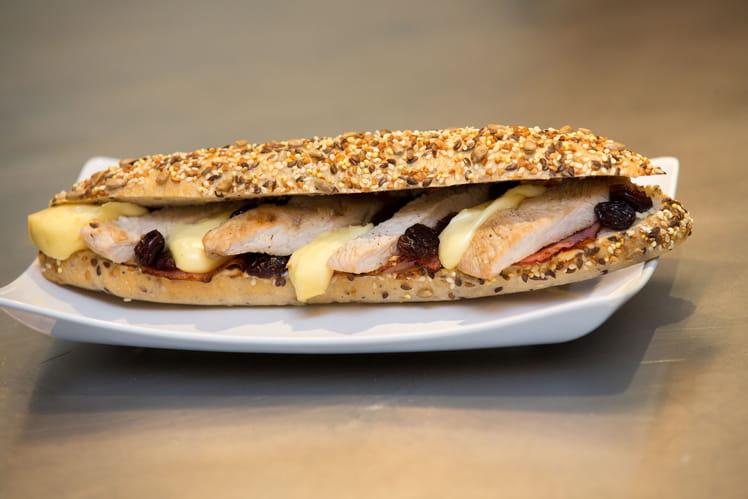 Sandwich bacon, dinde, reblochon et cranberries