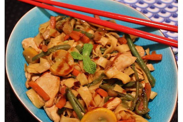Tagliatelles au poulet et légumes façon Wok