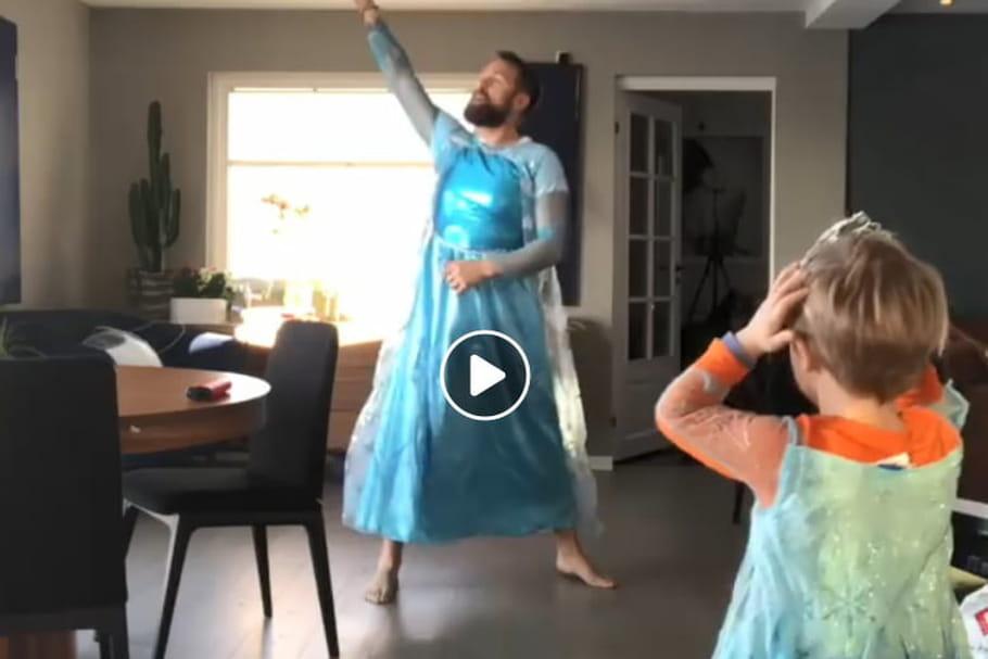 Un père et son fils dansent sur la Reine des Neiges et font le buzz