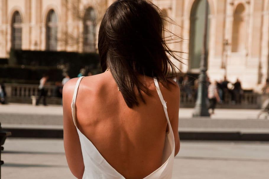 Comment porter le dos nu en été?