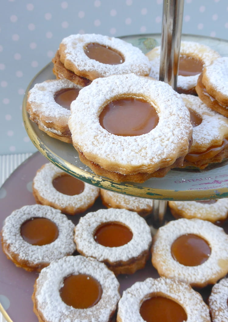 Incroyable Recette Caramel Beurre Salé Cyril Lignac biscuits sablés fourrés au caramel au beurre salé