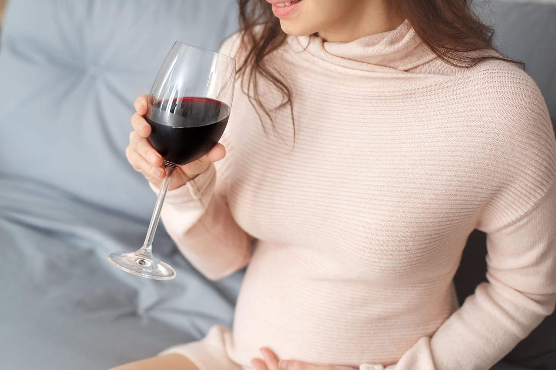 Alcool et grossesse: risques, alcoolisation foetale