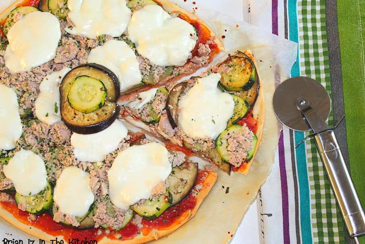 Pizza légumes du soleil, thon et mozzarella
