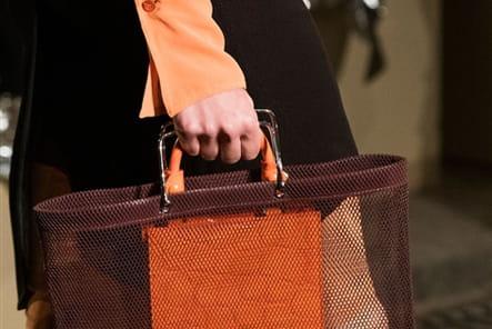 Givenchy (Close Up) - photo 24