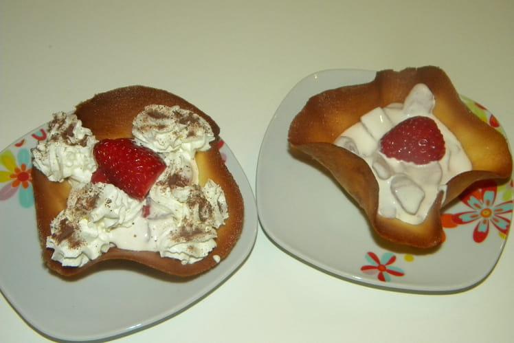 Tuiles à la crème de fraises