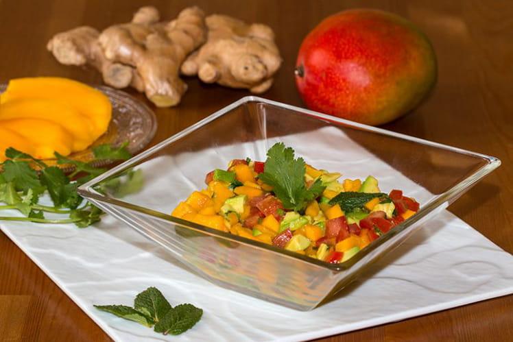 Salsa de mangue, avocat et tomates cerise