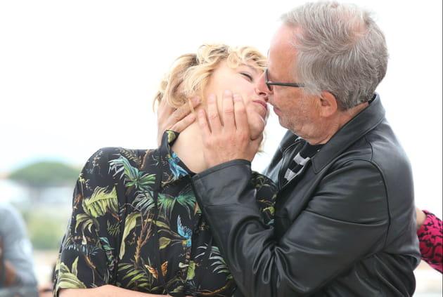 Fabrice Luchini embrasse aussi Valeria Bruni-Tedeschi