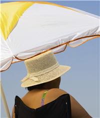 adultes et seniors ne sont pas dispensés de se protéger, l'exposition au soleil