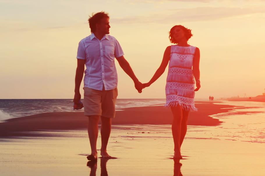Rencontres amoureuses : en vacances, moins d'exigences…