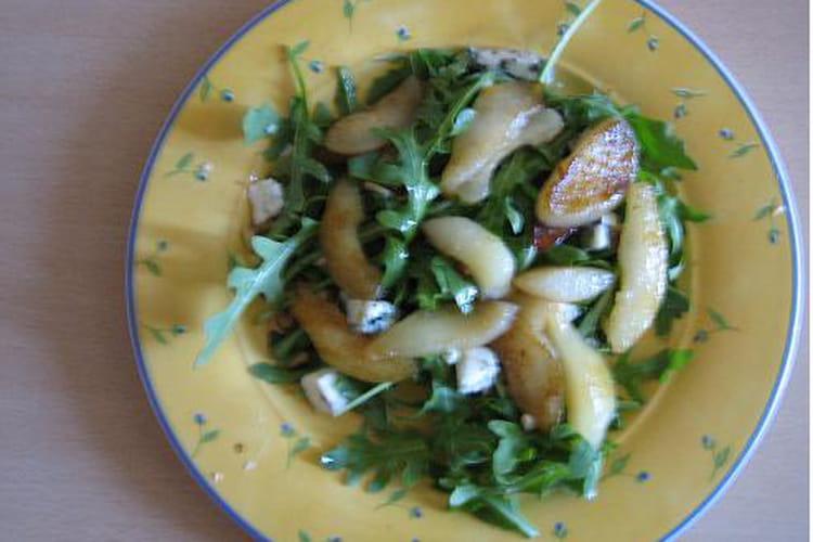 Salade de roquette aux poires et roquefort