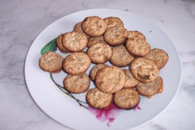 Petits biscuits aux noix et zeste d'orange