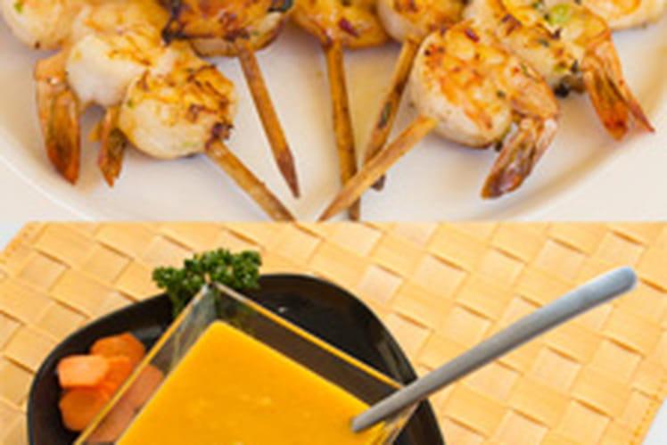 Soupe froide de carotte, orange & coriandre et brochettes de crevettes marinées