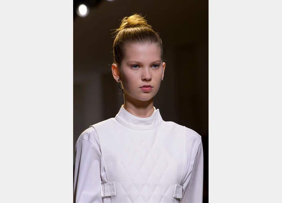 Christian Dior (Close Up) - photo 4