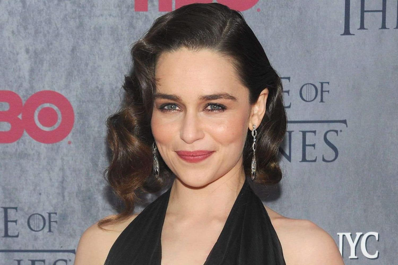 Emilia Clarke (GOT), en couple: qui a séduit la Mère des Dragons?