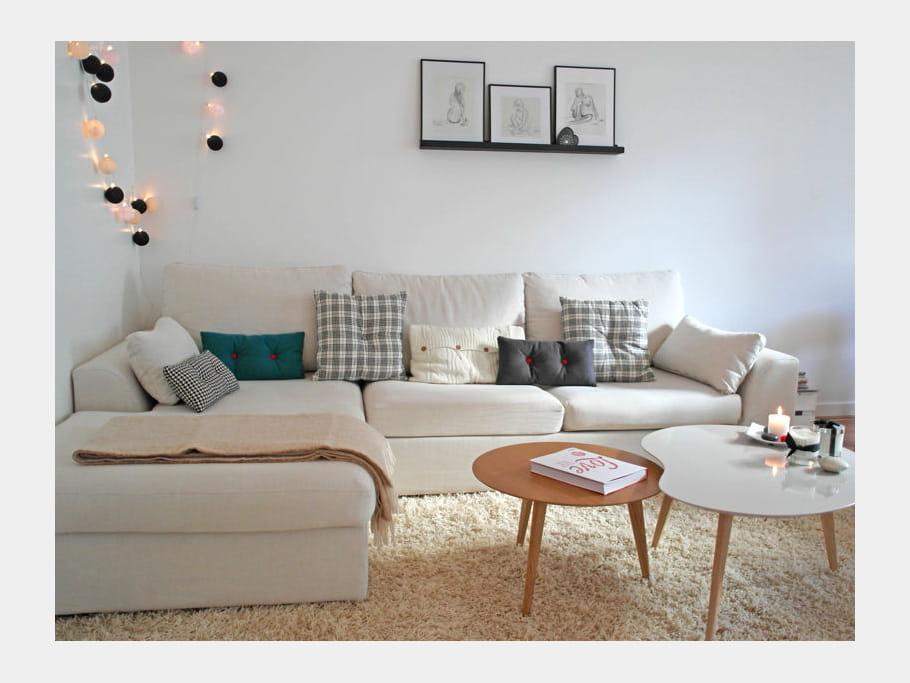 un salon cosy avec canap d 39 angle un s jour beau et intemporel sans casser la tirelire. Black Bedroom Furniture Sets. Home Design Ideas