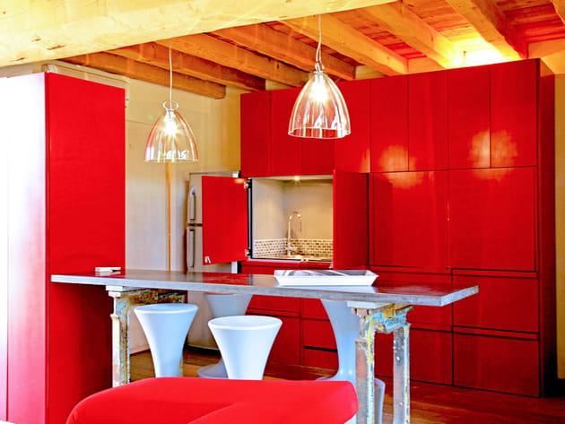 Une cuisine apparat rouge mat