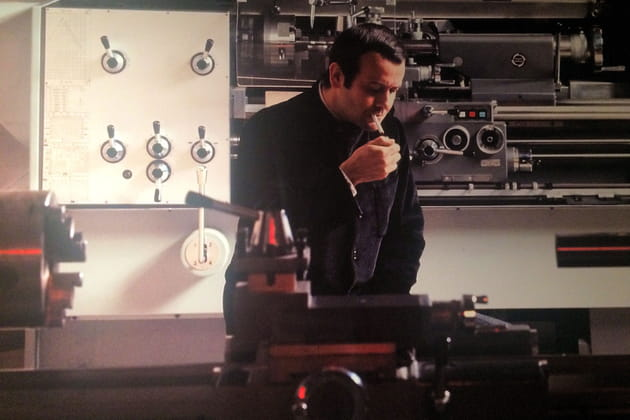 Roger Tallon dans son atelier