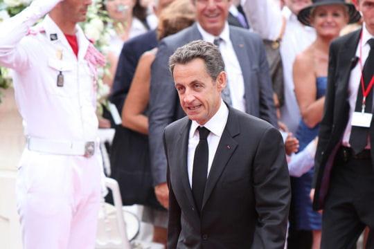 Le président français, tout sourire