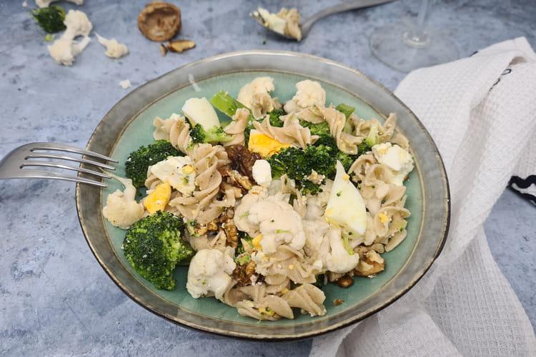 Salade de pâtes, brocoli et chou-fleur