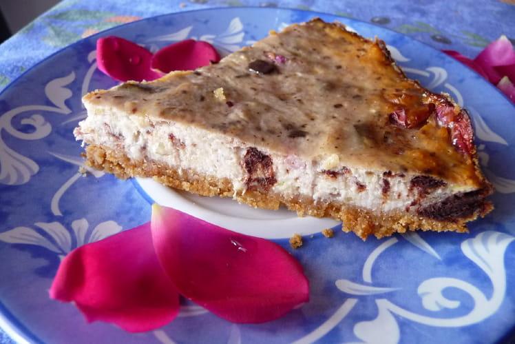 Cheesecake à la banane et pétales de rose