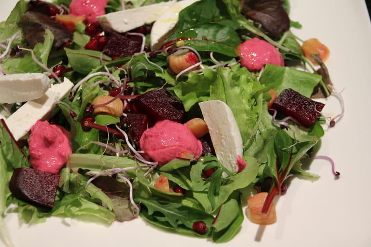 Salade de betterave au chèvre et radis marinés